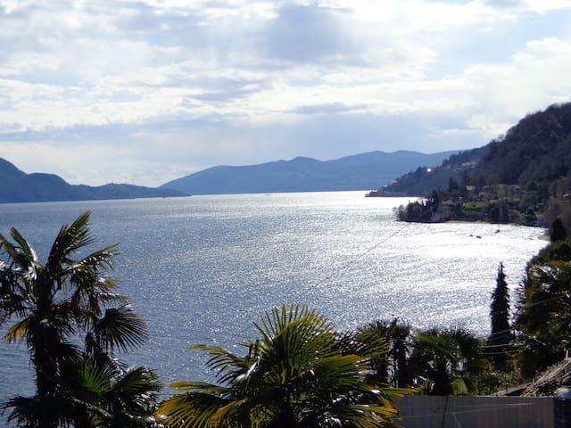 Scenografica villa con vista sul Lago Maggiore - Gonte - 別荘