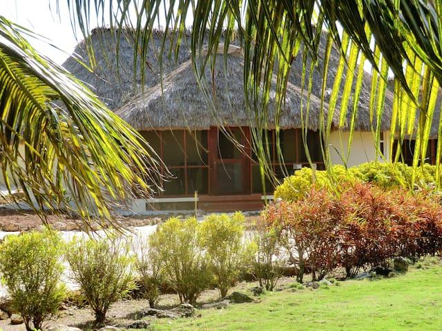 Luxury Beachfront Casita - Corozal - Hus