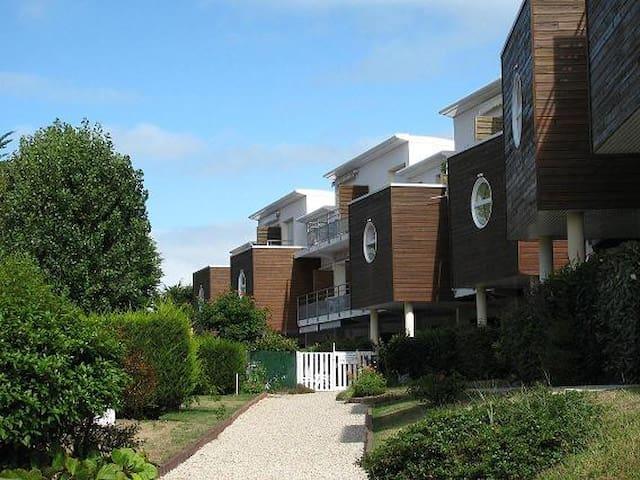 Bel appartement très reposant  à 100M de la mer - Préfailles - Leilighet