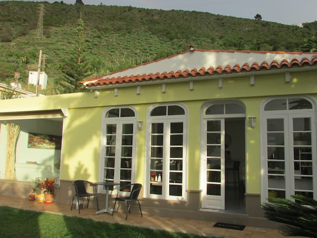 Wohnen im Humboldt-Garten - La Orotava