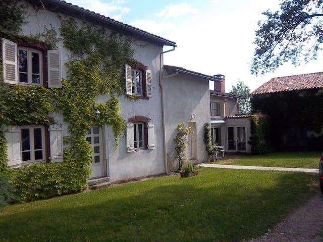 CHAMPINA - Peschadoires - Hus