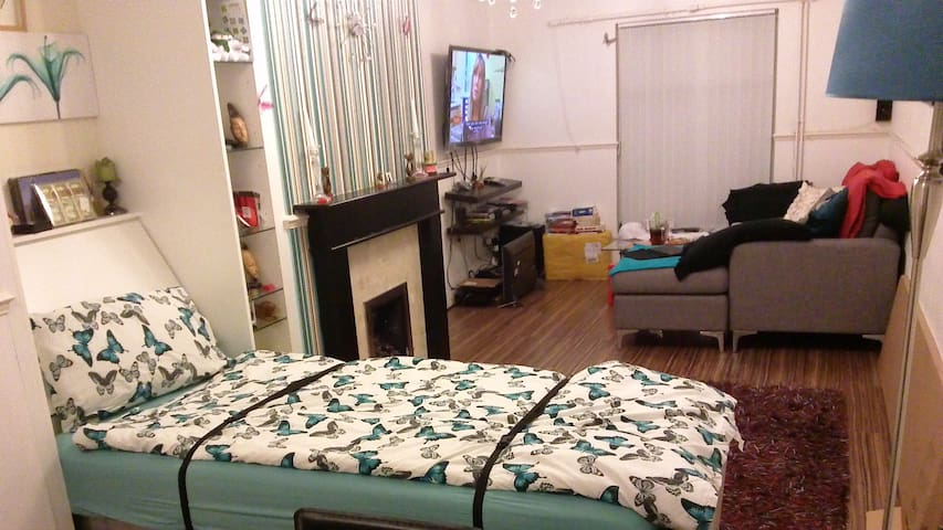 NEAR STANSTED+CTRL LONDON, SNGLE BED+ A DBLE BEDRM - Harlow - Huis