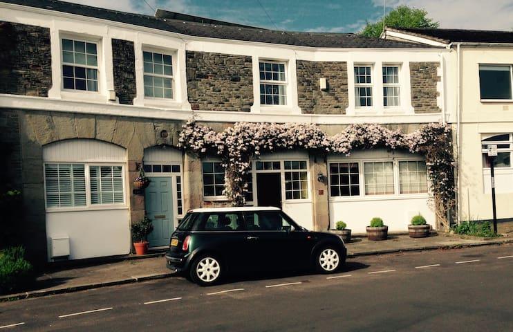Clifton, small room, amazing house. - Bristol - Pousada