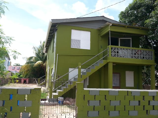 MaFlo Arms Apartment 6 C Street - Belize City - Apartmen