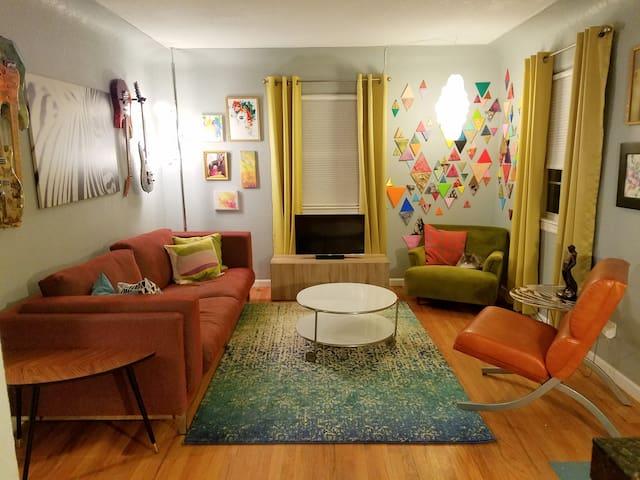 Urban Cottage: Private Bed Bath & Living Room - Denver