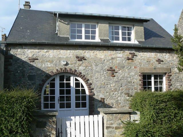 Petite maison de pêcheur - Montmartin-sur-Mer - Hus