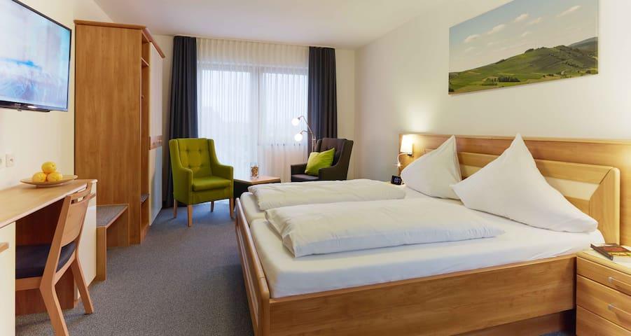 Weinquartier Doppelzimmer Inklusiv Frühstück - Veldenz - Oda + Kahvaltı
