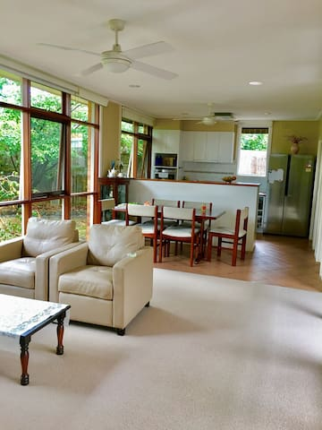 Comfortable Private Room - Blackburn South
