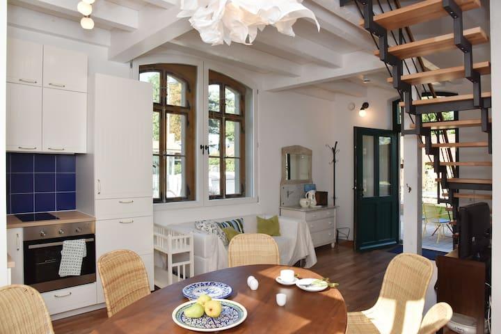 Bahnhof -Apartment WARTESAAL bis 6 Pers. -Ambiente - Friedrichshafen - Leilighet