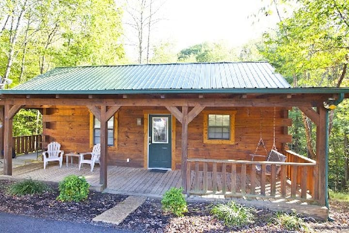 Tellico cabins, Deer Cabin With Hot Tub - Tellico Plains - Cabaña