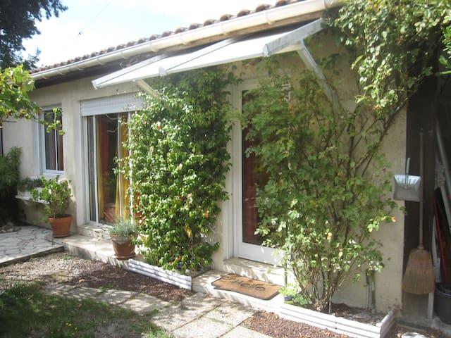 Petit appartement douillet - Andernos-les-Bains - Departamento
