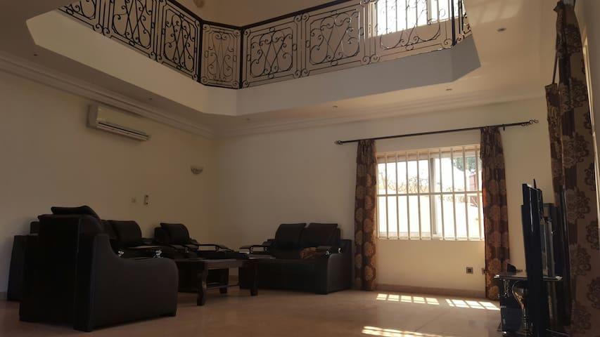 Confort Chez des Bons Amis Chambre 1 - Lomé - Casa