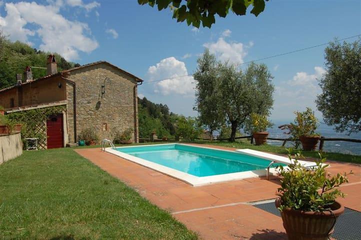 Villa Petrognano with private pool and garden - Petrognano - Villa