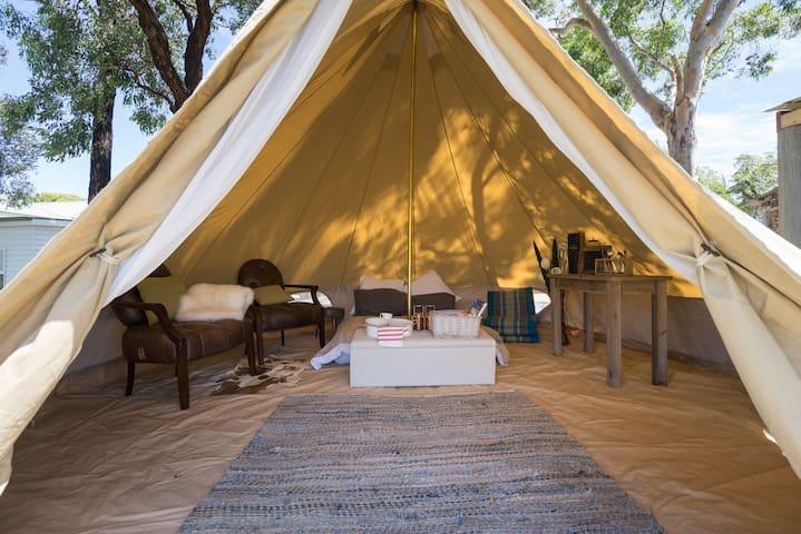 Stone Haven  - Glamping - Kangaroo Ground - Bed & Breakfast