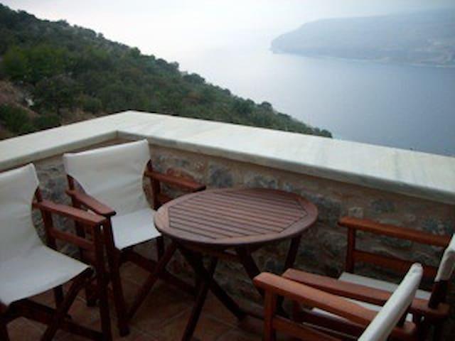 Peloponnese-Amazing views to Messiniakos bay-Mani - Lakonia - Reihenhaus