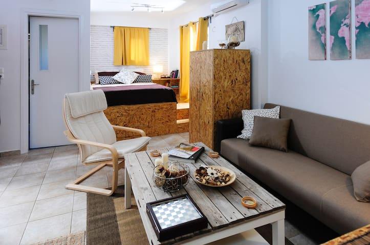 Downtown charming studio - Kalamata - Apartmen