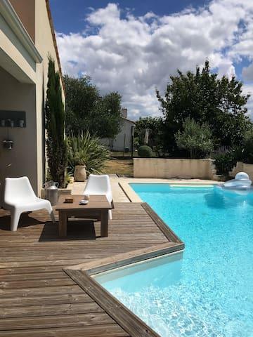 Maison de campagne avec piscine - Saint-Georges-des-Coteaux - Casa