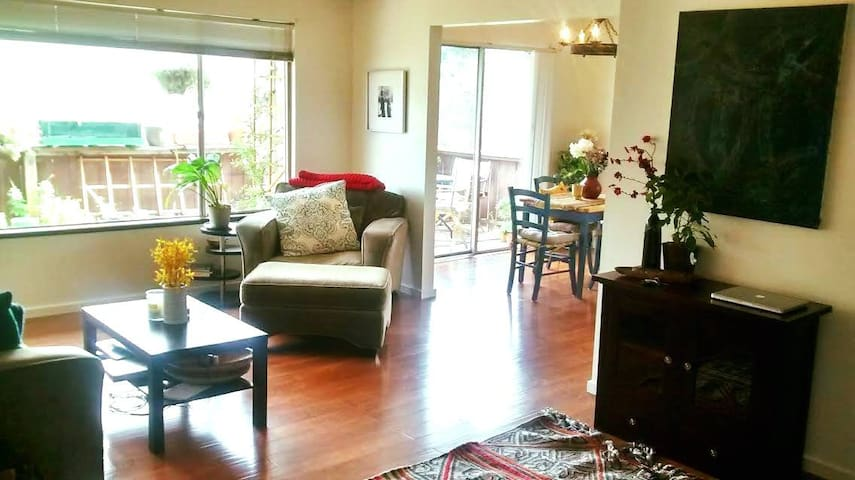 Walk to historic town square and wineries! - Sonoma - Apartamento
