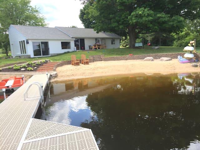 Mann Lake Cottage, Pet friendly, sleeps 14. - Sheridan - Haus