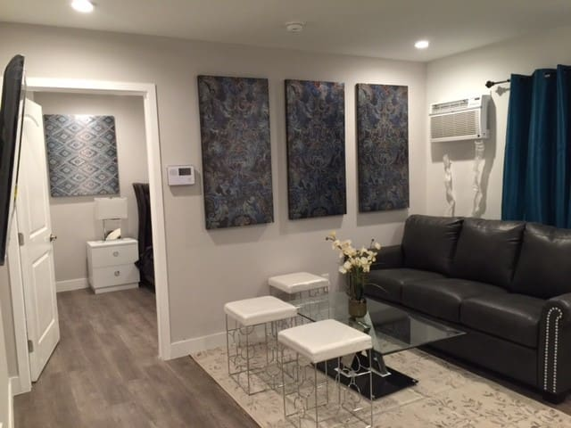 Beautiful and Cozy Modern 1 Bedroom -A - Los Angeles - Appartement en résidence