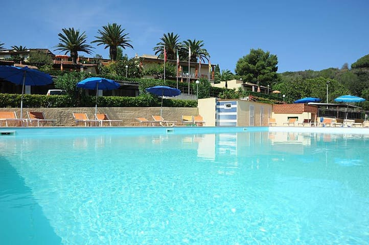 Relax close to the beach with pool and parking - Portoferraio - Leilighet