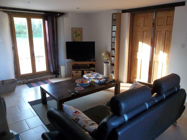 JoJo's apartment - Montbernard - Leilighet