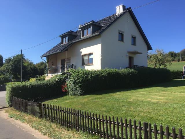 Modernes Ferienhaus in der Eifel - Strickscheid