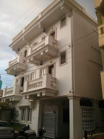 Single room in 3BHK @ Koramangala - Bangalore - Casa