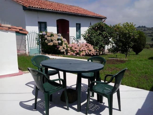 COUNTRY HOUSE NEAR SANTILLANA  - Reocín - 獨棟