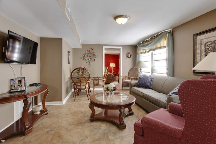 Perfect Old Metairie Home, Close to Everything - Metairie