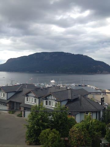 The Bay Condo - Cowichan Bay - Apto. en complejo residencial