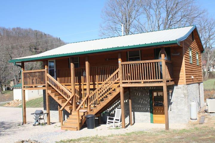 Lucky 13 Cabin - Elizabethton - Cabaña