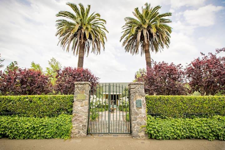 Alexander Valley Estate in the Vineyards - Geyserville