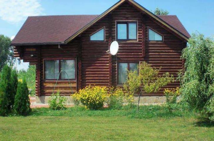 Дом сруб возле озера м.Осокорки (ID7001) - Kiev - Huis