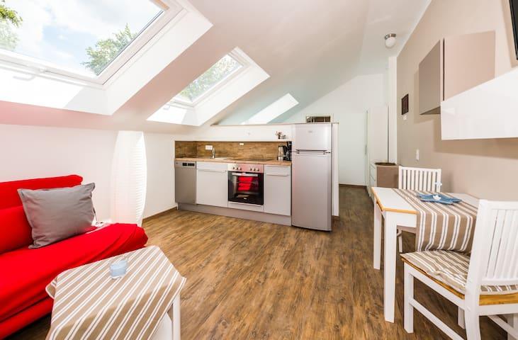 Moderne Wohnung 10 km zu Darmstadt Waldrand - Roßdorf - Daire
