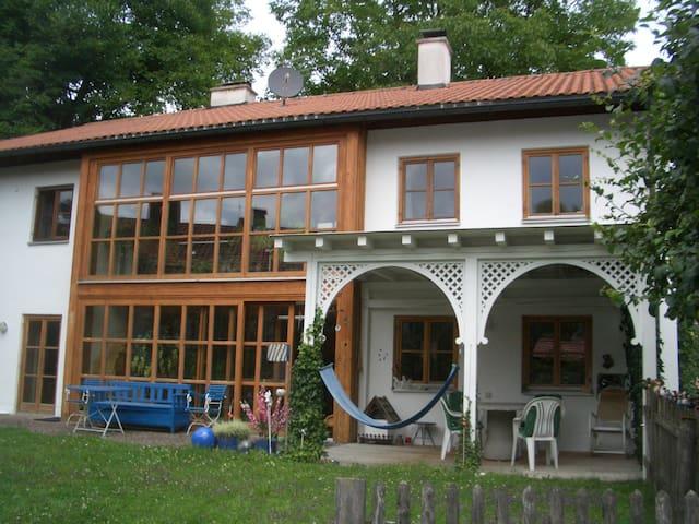Großzügiges Einfamilienhaus mit Garten - Andechs - Rumah