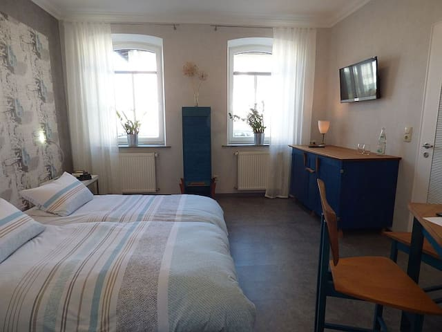 Appartement mit Stil im Gründerzeithaus (27m²) - Helmbrechts - 公寓