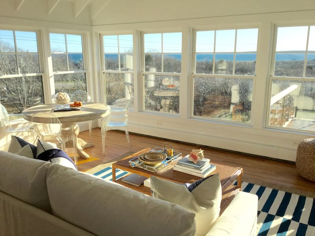 Martha's Vineyard Oceanview Retreat - Aquinnah - Rumah
