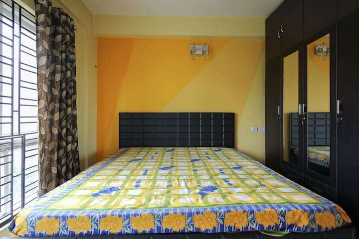 3 BHK FULLY FURNISHED AIR CONDITIONED APARTMENT - Kalkutta