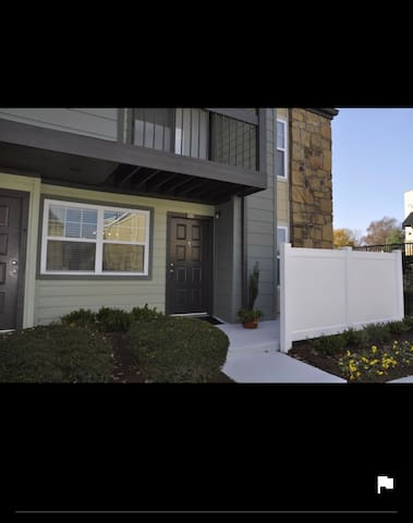 Cozy with full bed size, big couch, TV and wifi - Knoxville - Apartemen
