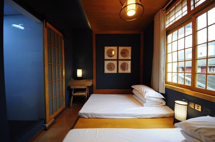 204Dali Ancient Town/Japanese Blue tatami日式蓝双床房 - Dali