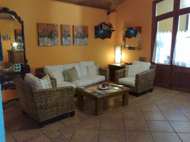 Habitacion con encanto al pie de Montserrat - Collbató - Herberge
