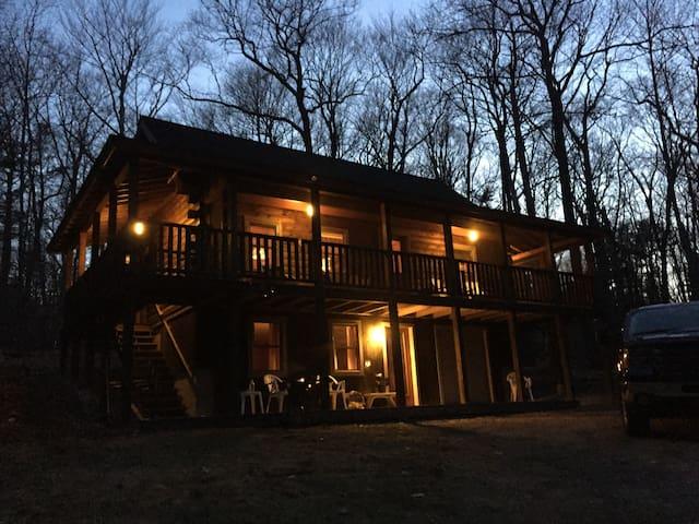 Maine Log Cabin Lakes and Mountain Region - Bridgton - Ház