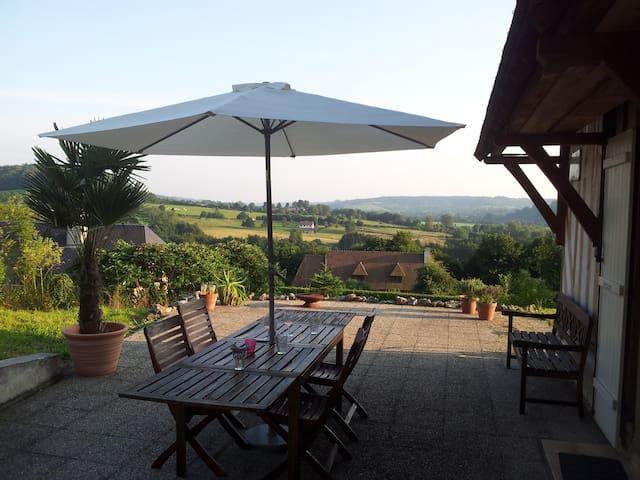 Vue magnifique/magnificent view - Manneville-la-Pipard - Hus