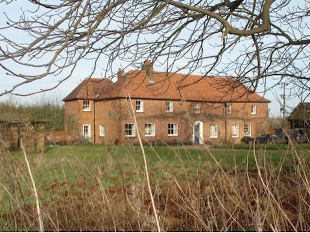 Popes Farmhouse - Hatfield
