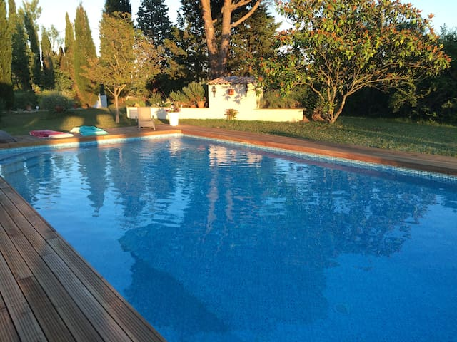 Grande maison avec piscine et tennis - Clermont-le-Fort - Ev