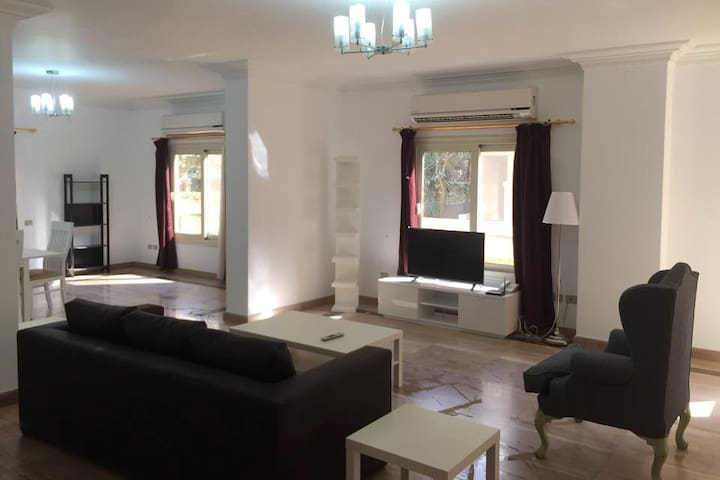4 Bedroom Duplex with private pool and garden - Maadi - Huis