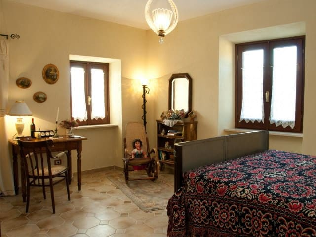 Relax near the castle - double room - Amaseno - Bed & Breakfast