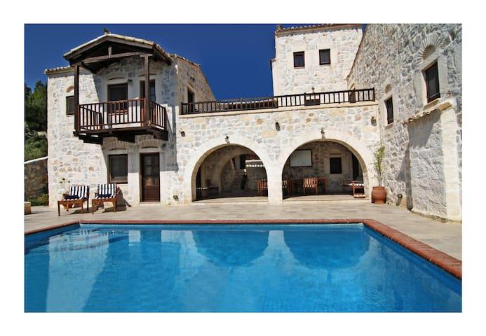 Stone Castle Villa - Athens suburbF - Schinias