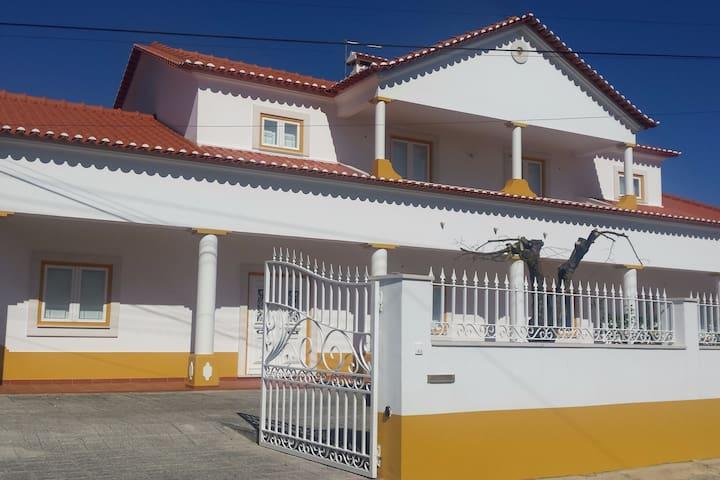 Quinta de São Jorge - Family Farm in Santarém - Santarém - Villa